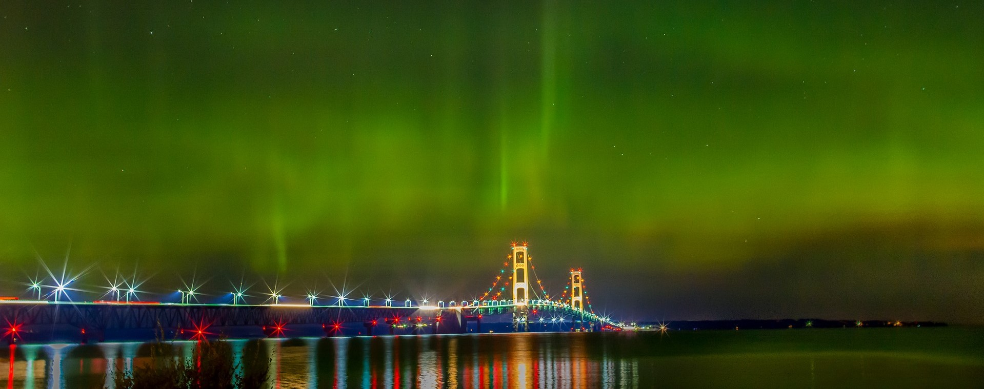 Mackinac Bridge with Northern Lights in Michigan | Kids Car Donations