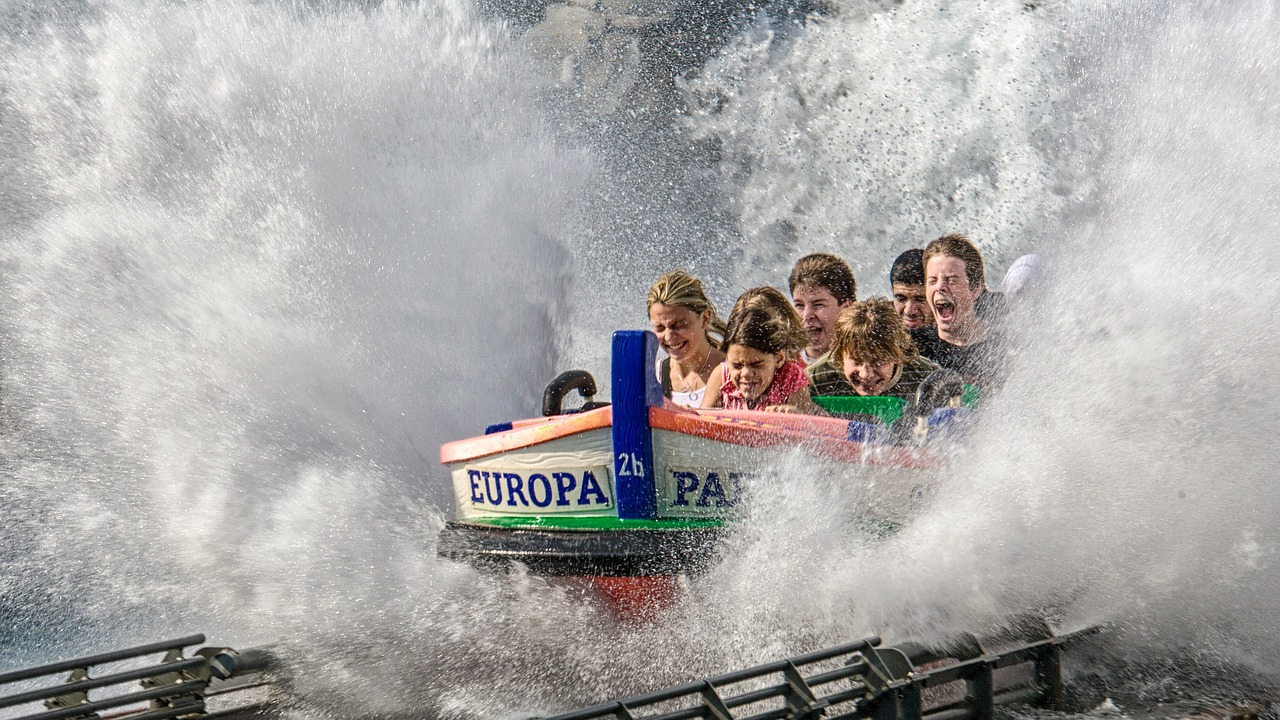 Kids at an Amusement Park   Kids Car Donations