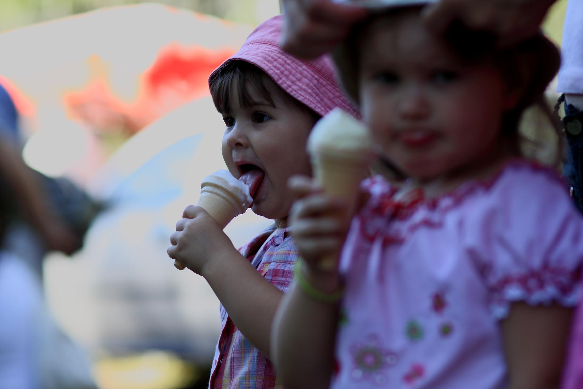 Little Girls Eating Ice Cream   Kids Car Donations