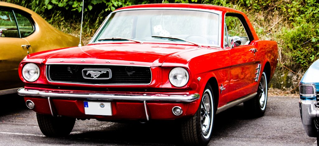 Red Oldtimer Mustang in Houston, Texas | Kids Car Donations