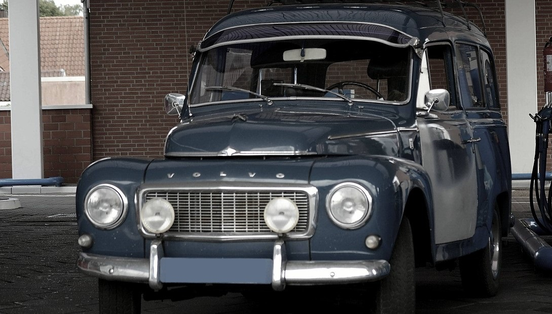 Oldtimer Volvo in Bridgeport, Connecticut | Kids Car Donations